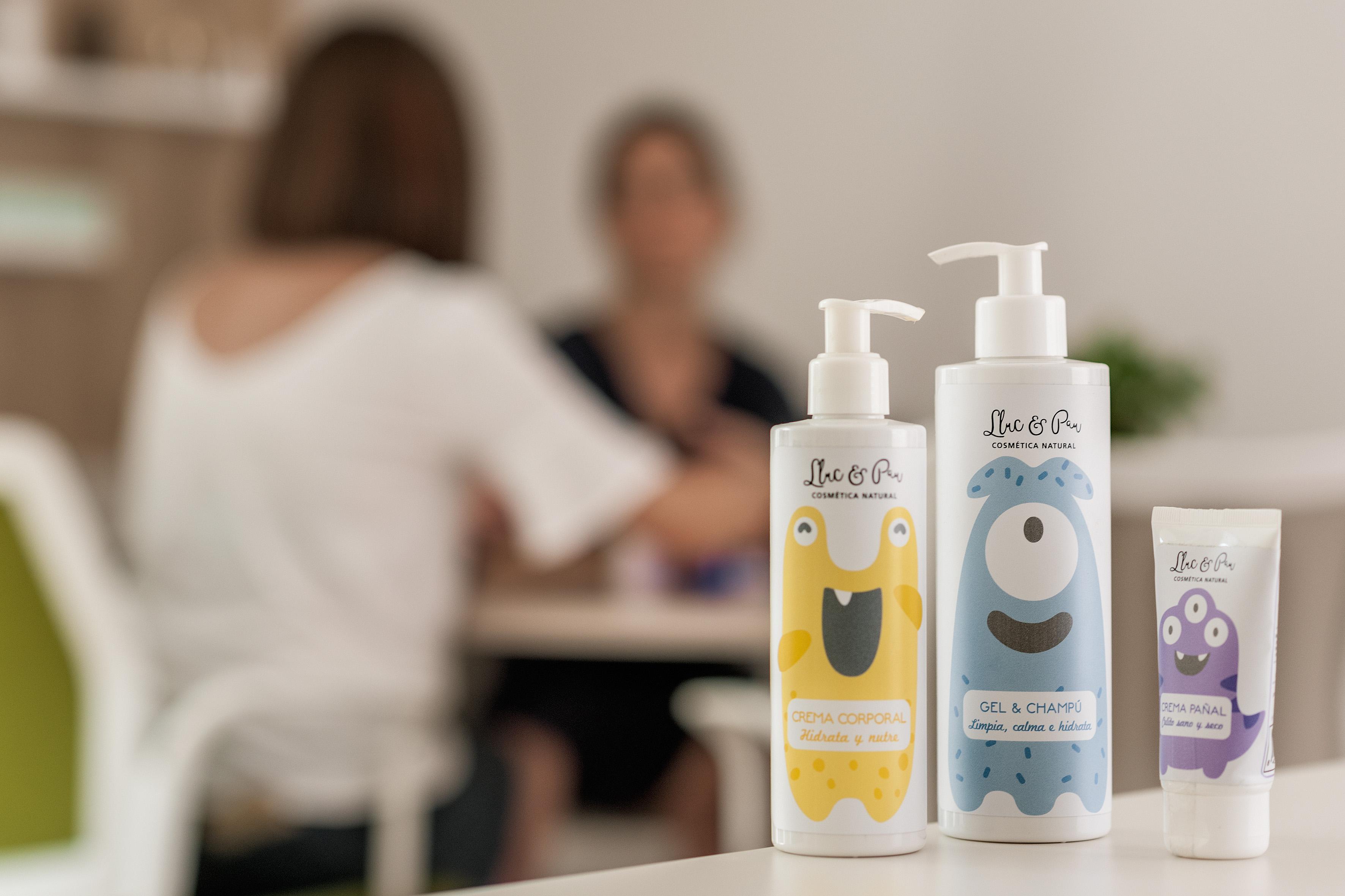 Lluc & Pau de Natural Carol es una completa línea de cosmética infantil para la higiene de los más pequeños